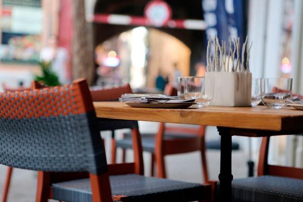 hostelclub-fripozo-consejos-verano-restaurante