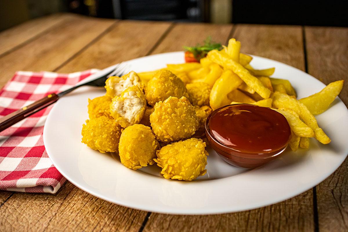 crocantis con patatas y salsa