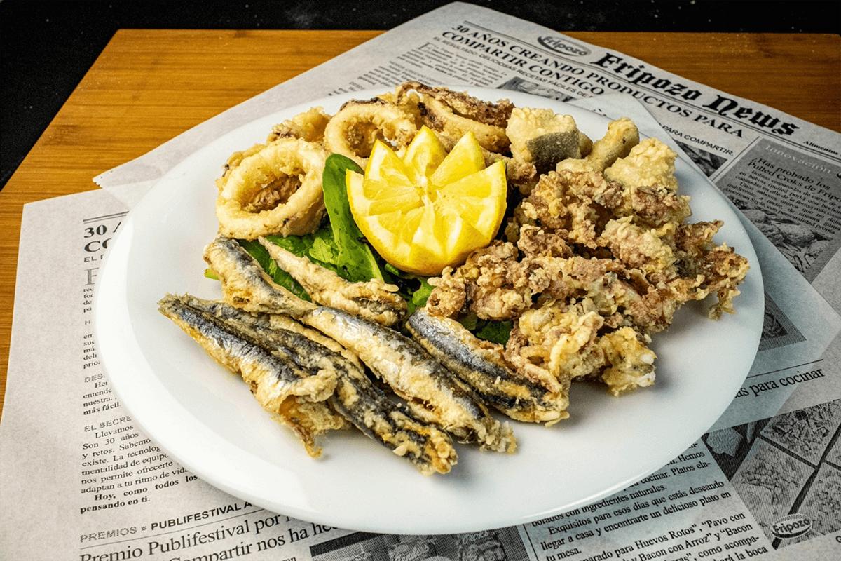 fritura de boquerón, sepia y calamares