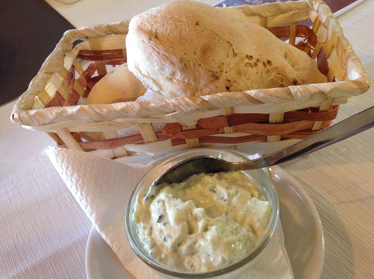 alioli y pan